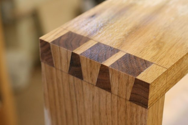 cedar chest features