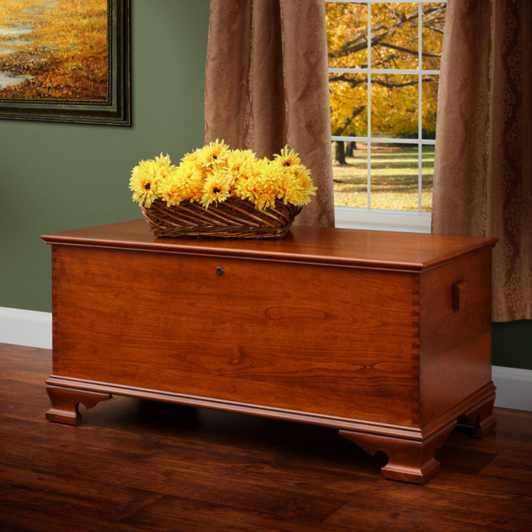 large yorktown reproduction hope chest in cherry w: harvest stain